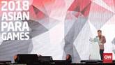Wakil Presiden Jusuf Kalla menyampaikan pidato pada upacara penutupan Asian Para Games 2018. Menurut JK, target kontingen Indonesia yang membidik 16 medali emas meleset ke atas, karena Tim Merah Putih sukses mengumpulkan 37 emas. (CNN Indonesia/Adhi Wicaksono)