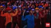 Penari tampil dalam upacara penutupan Asian Para Games 2018 di Stadion Madya. Upacara penutupan Asian Para Games digelar dengan mengusung tema The Celebrations of Wonder. (CNN Indonesia/Adhi Wicaksono)