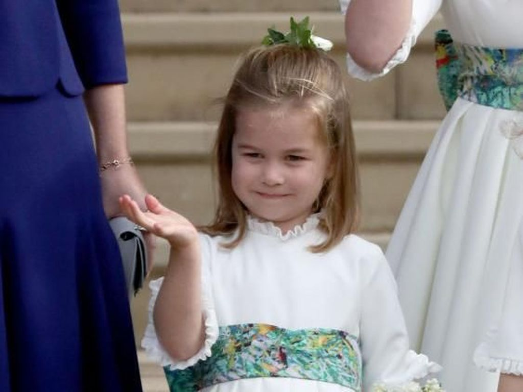 Manisnya Putri Charlotte yang Selalu Melambaikan Tangan ke Fotografer