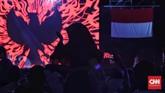 Siluet burung garud tergambar dalam layar raksasa di penutupan Asian Para Games 2018 di Stadion Madya, Senayan, Jakarta, Sabtu (13/10). (CNN Indonesia/Adhi Wicaksono)