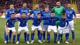 Timnas Italia berpose jelang pertandingan Grup 3 UEFA Nations League melawan Polandia di Stadion Silesian, Chorzow, Minggu (14/10) malam waktu setempat. (REUTERS/Kacper Pempel)