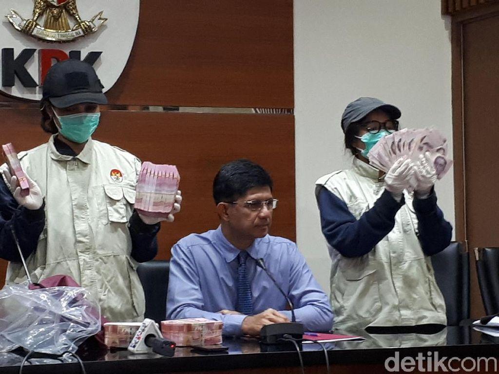 Penampakan Gepokan Duit Dolar Singapura dan Rupiah OTT Suap Meikarta