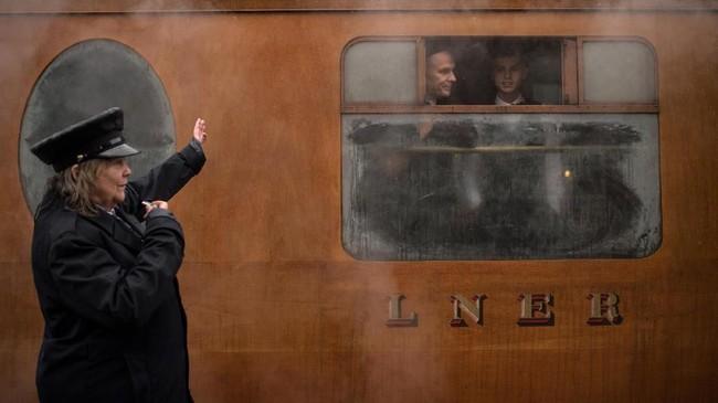 North Yorkshire Moors Railway adalah jalur kereta legendaris yang berada di Notrh Yorkshire, Inggris.