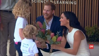 VIDEO: Pangeran Harry-Meghan Markle Peluk Koala di Australia
