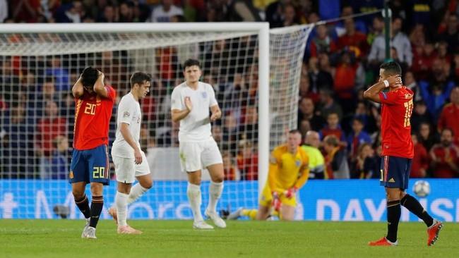 Meski kalah 2-3 dari timnas Inggris, Spanyol tetap berada di puncak klasemen Grup 4 UEFA Nations League dengan koleksi enam poin dari tiga pertandingan. (REUTERS/Marcelo Del Pozo)