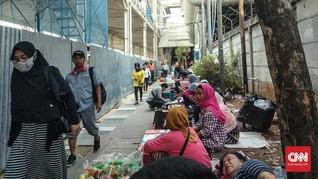 Tak Diusir, PKL Tanah Abang Sebut Era Anies Lebih Nyaman