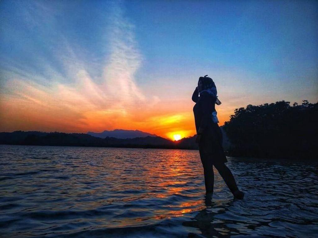 Sunset Pahawang yang Romantis, Bikin Terhipnotis