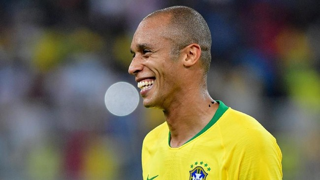 Miranda akhirnya jadi pemecah kebuntuan di laga ini. Golnya di masa injury time mengantar Brasil menang 1-0 atas Argentina. (REUTERS/Waleed Ali)