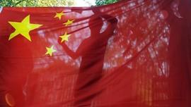 Ingin Dicap Nasionalis,Selebriti Jinjing Tas Berbendera China