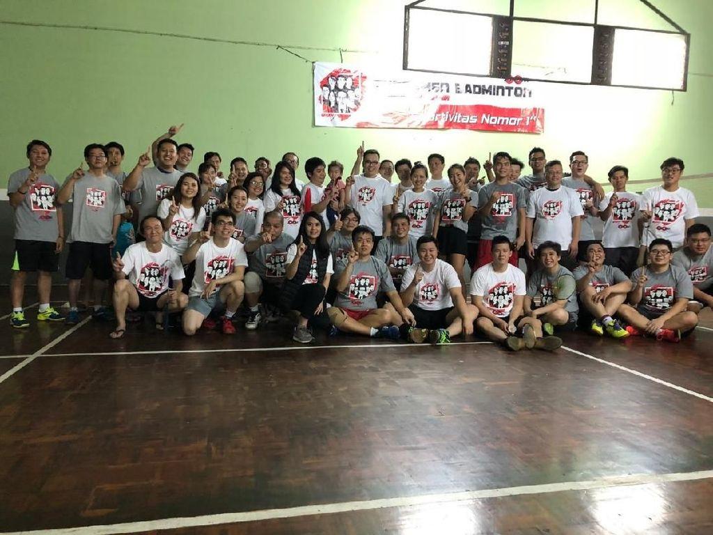Relawan JokowiMotion Ajak Milenials Turnamen Bulutangkis