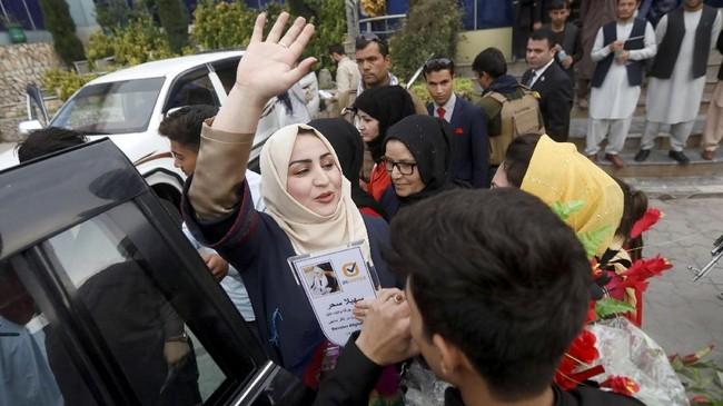 Minggu lalu, sebuah bom meledak ketika seorang caleg wanita melakukan kampanye. Akibatnya 22 orang tewas dan 35 terluka (REUTERS/Omar Sobhani)