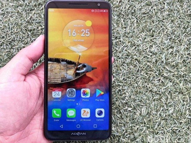 Unboxing Advan G3, Ponsel Bersuara Harman Kardon