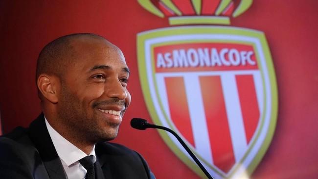 Dalam sambutannya saat perkenalan Thierry Henry menyebut Arsene Wenger dan Pep Guardiola sebagai inspirasi dalam karier kepelatihannya. (REUTERS/Eric Gaillard)