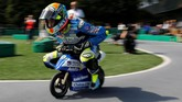 Pebalap Reale Avintia Racing Xavier Simeon memacu sepeda motor mini dalam balapan di Sirkuit Mini Motegi. (REUTERS/Toru Hanai)