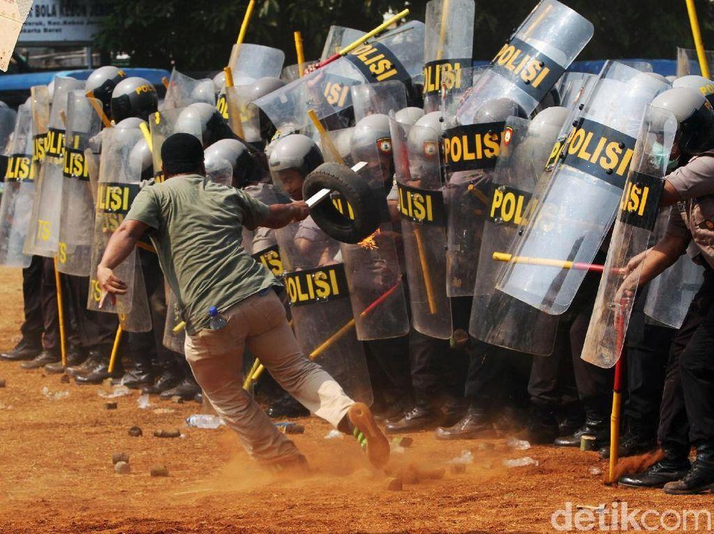 Simulasi Pengamanan Pemilu di Jakarta Barat