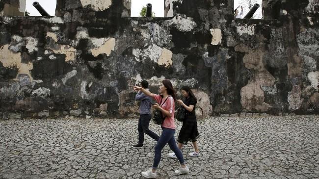 Fortaleza do Monte di Makau, China. Area ini merupakan benteng pertahanan Portugis saat masih menduduki Makau yang dibangun pada tahun 1626. Bangunan ini juga masuk daftar Situs Warisan Dunia UNESCO.