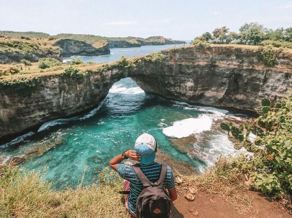 10 Pantai di Bali yang Harus Anda Kunjungi