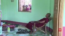 VIDEO: Kuil Buddha Jadi 'Surga' Ular di Myanmar