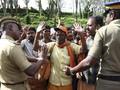 Demo Anti Perempuan Masuk Kuil, Negara Bagian India Lumpuh