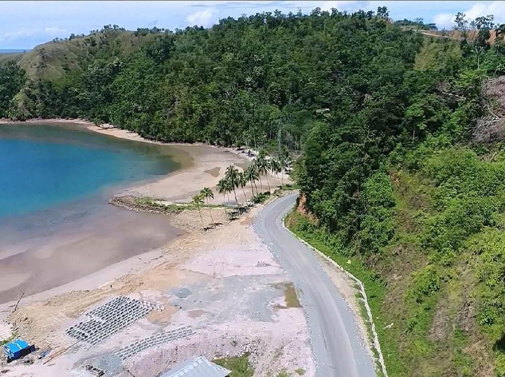 Indahnya Jalan Trans Papua ke Kawasan Wisata Papua Barat