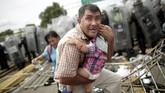 Setiap tahunnya, AS menangkap banyak imigran yang masuk secara ilegal ke negara mereka (REUTERS/Ueslei Marcelino)