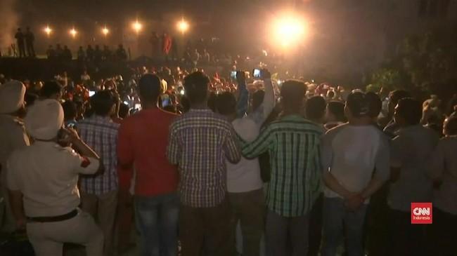 Video: Kereta Tabrak Warga yang Berdoa di India, 59 Tewas