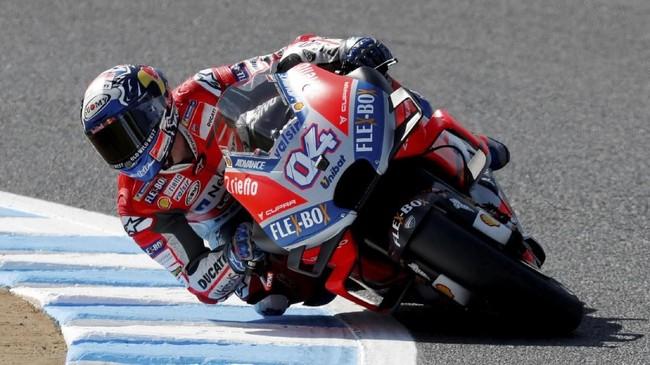 Andrea Dovizioso menempati posisi start terdepan pada sesi balapan MotoGP Jepang 2018 dengan membukukan catatan waktu satu menit 44,590 detik. (REUTERS/Toru Hanai)
