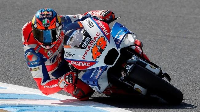 Laju Marquez pada sesi kualifikasi MotoGP Jepang kalah dari Jack Miller yang akan menempati posisi start ketiga pada balapan yang berlangsung Minggu (21/10). (REUTERS/Toru Hanai)
