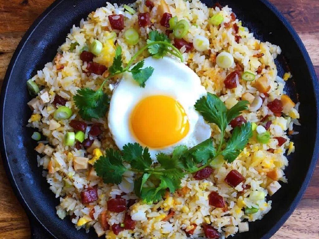 Punya Nasi dan Telur? Ini 10 Ide Bikin Nasi Goreng Telur Buat Sarapan