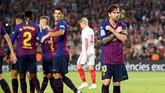 Barcelona memulai pertandingan dengan baik. Tim asuhan Ernesto Valverde itu sudah unggul 2-0 hingga menit ke-12 melalui gol Philippe Coutinho (2') dan Lionel Messi (12'). (REUTERS/Albert Gea)