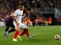 FOTO: Detik-detik Lionel Messi Patah Tulang Tangan