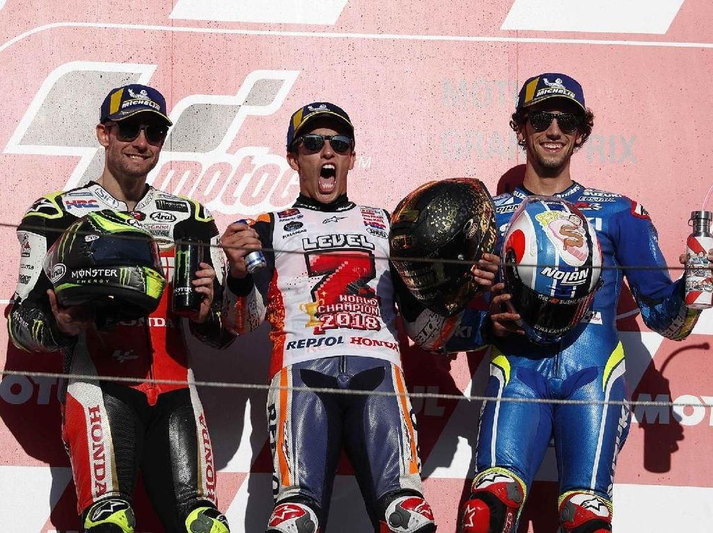 Rider LCR Cal Crutchlow berhak atas podium kedua. Sementara Alex Rins podium ketiga. Reuters/Toru Hanai.