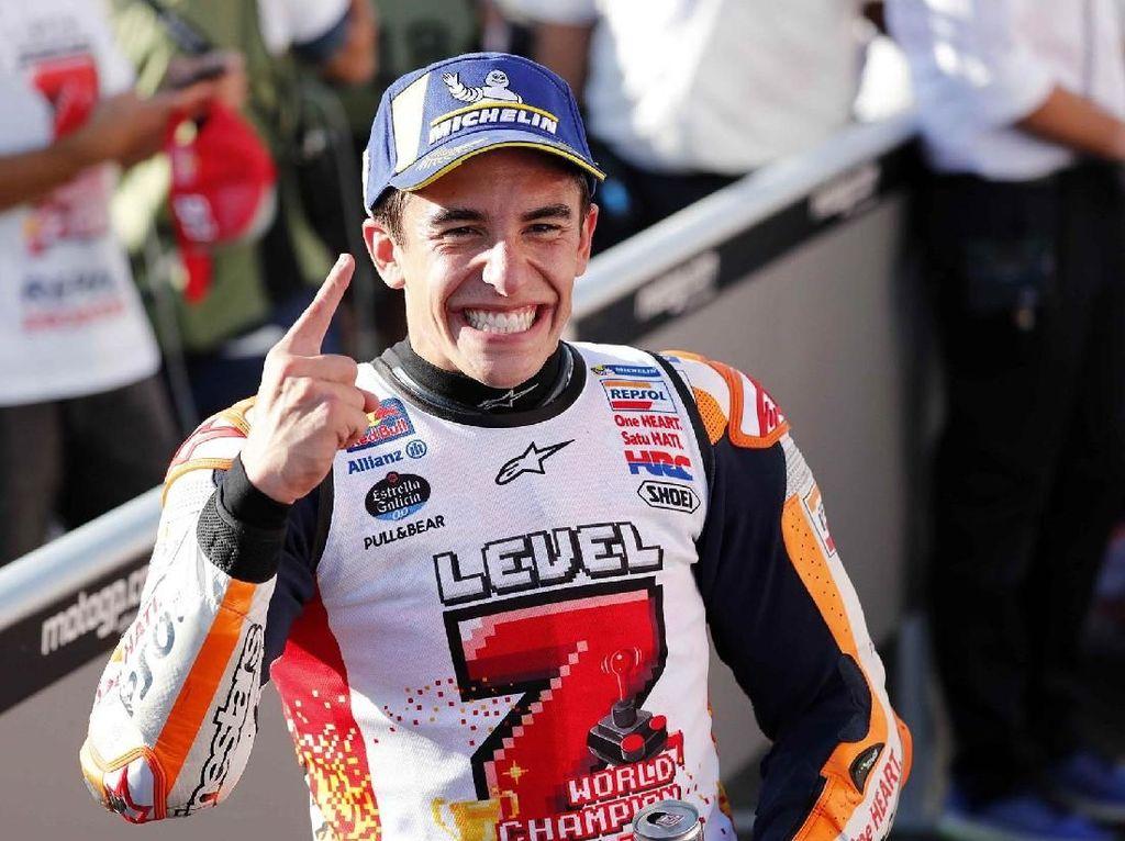 Selesai balapan, Marquez mengungkapkan bahwa strategi balapannya kali ini mengulangi yang dia lakukan di MotoGP Thailand. Reuters/Toru Hanai.