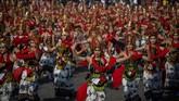 Tahun ini diperkirakan lebih dari 2.000 wisatawan hadir untuk menyaksikan pagelaran ini. (Juni Kriswanto / AFP)