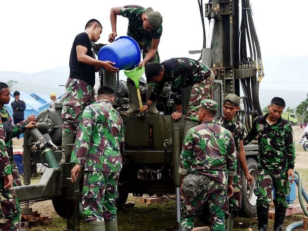 TNI Cari Mata Air di Petobo Palu