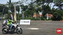 Masuk Indonesia, Benelli TRK 251 Lawan CRF250 dan Versys-X 25