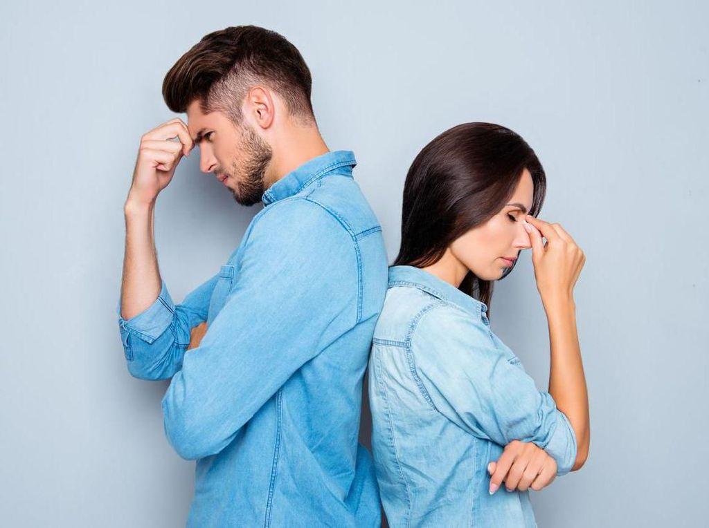 Istri Curhat Perilaku 'Gila' Suami: Bangun Sirkuit Drifting di Depan Rumah
