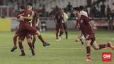 Laga baru memasuki menit ke-11, para penggawa timnas Qatar U-19 sudah merayakan gol yang dicetak Hashim Ali karena kesalahan bek Garuda Nusantara Nurhidayat Haji Haris. (CNN Indonesia/Hesti Rika)