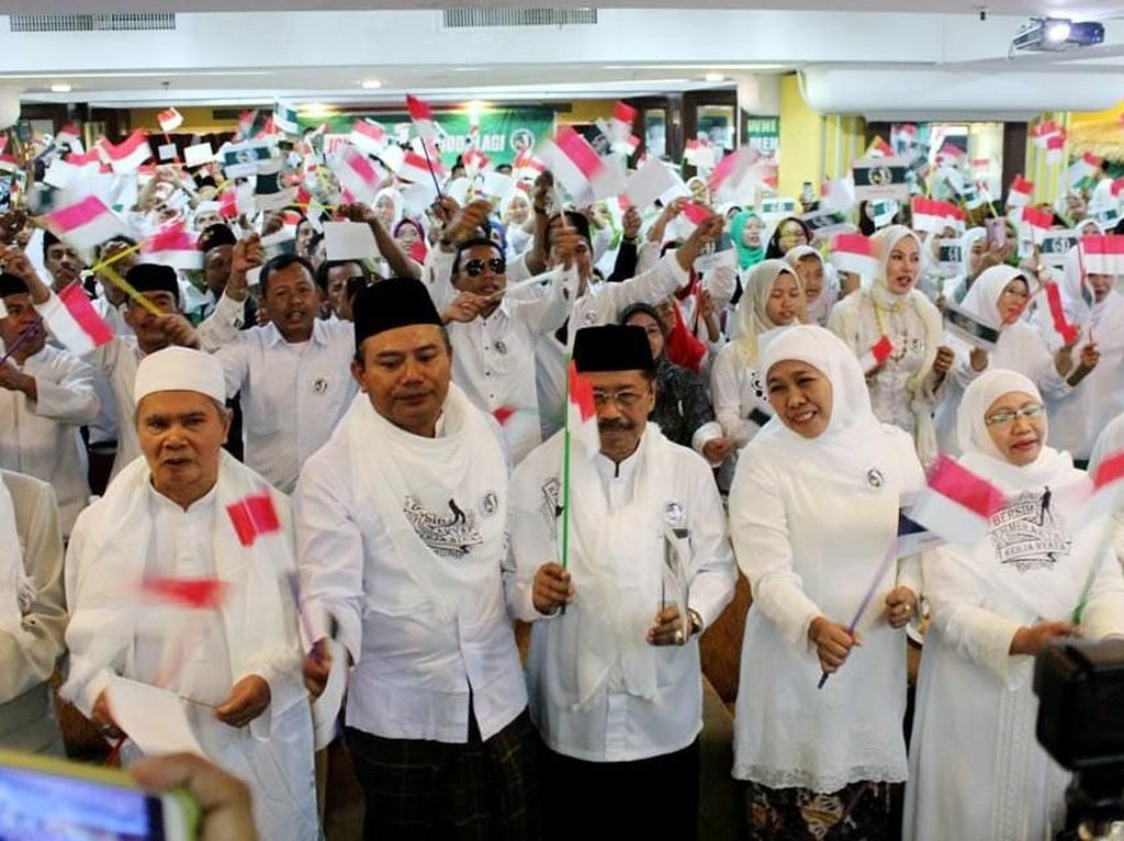 Deklarasi dukungan untuk Jokowi-Maruf Amin itu pun diikuti oleh hampir seribu orang dari berbagai elemen di Negeri Jiran. Malaysia dipilih karena memiliki jumlah Tenaga Kerja Indonesia (TKI) terbanyak. Ada sekitar 1,4 juta TKI di Malaysia yang bekerja secara legal. Istimewa/Dok. JKSN.