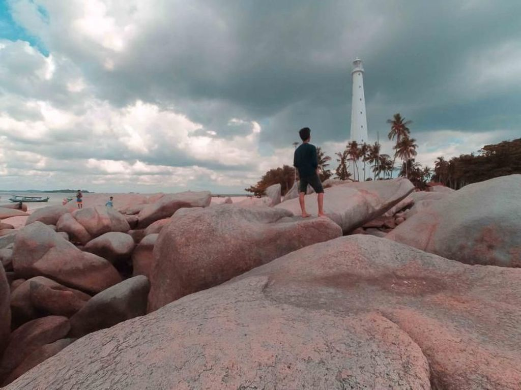 Pantai Pulau Lengkuas, Destinasi Wajib di Belitung