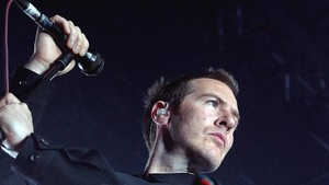 Massive Attack Rilis Album dalam Kemasan Cat Semprot Kaleng
