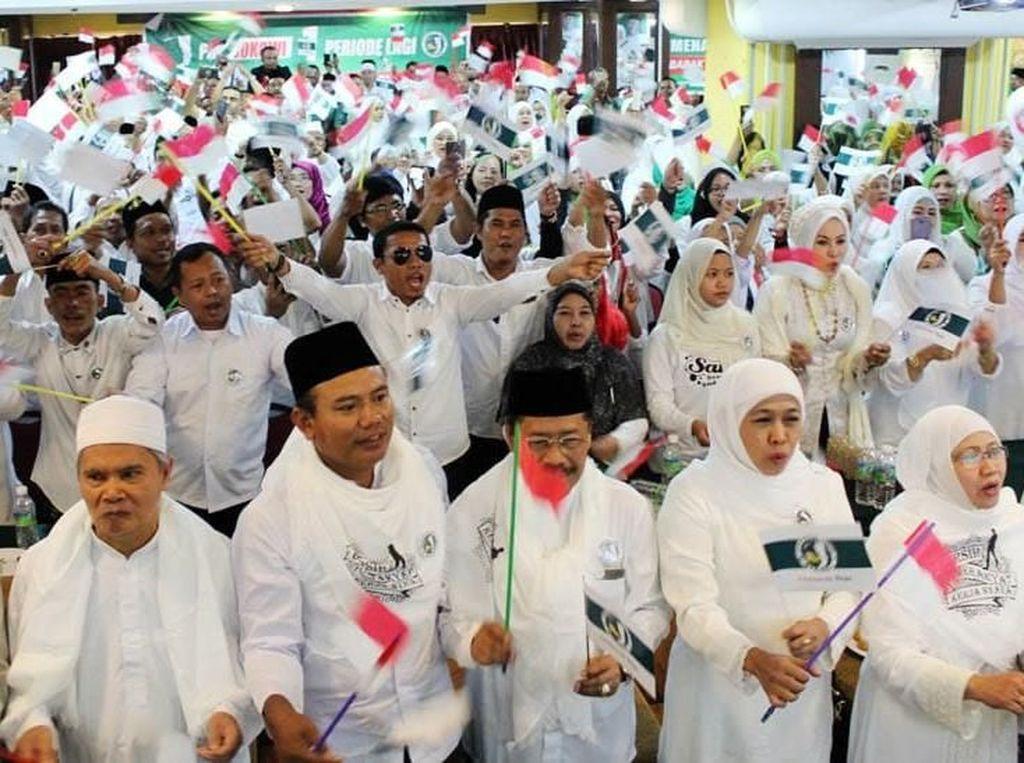 Jaringan relawan yang didirikan Khofifah Indar Parawansa itu tak hanya menggelora di Tanah Air, tetapi juga hingga ke luar negeri, salah satunya JKSN Cabang Istimewa Malaysia yang diketuai oleh Nur Alamin. Istimewa/Dok. JKSN.