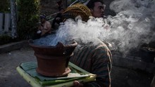 FOTO: Dukutan yang Menjaga Desa