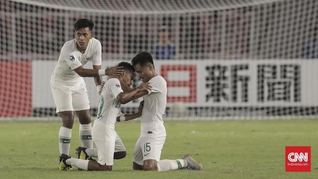 Todd Rivaldo mencetak gol kedua Timnas Indonesia U-19 pada menit ke-65 dan memperkecil ketinggalan jadi 2-6. Ia juga mencetak hattrick pada laga tersebut. (CNN Indonesia/Hesti Rika)
