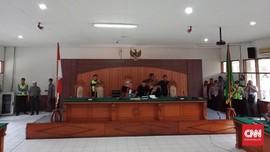 Praperadilan soal SP3 Rizieq Ditolak, Massa FPI Pekik Takbir