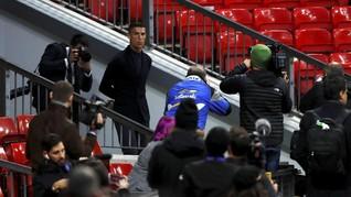 Ronaldo Antusias Menangkap Bola di Laga Djokovic vs Isner