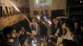 Bersolek Menyambut Natal, Warga Nikmati Damaskus Tanpa Mortir