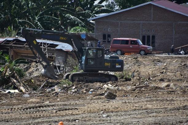 TNI Kerahkan Alat Berat Ratakan Balaroa