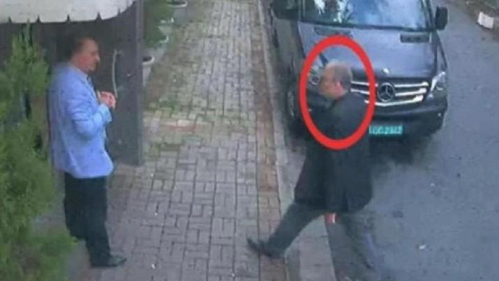 Kolumnis Arab Saudi Jamal Khashoggi dicekik sampai mati setelah ia memasuki konsulat Arab di Istanbul, Turki, dalam sebuah pembunuhan terencana.