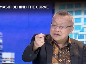 Tahan Suku Bunga, Pengamat: BI Behind The Curve